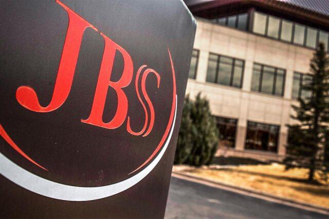 Trabalhadores da JBS de Ipumirim aprovam negociação salarial