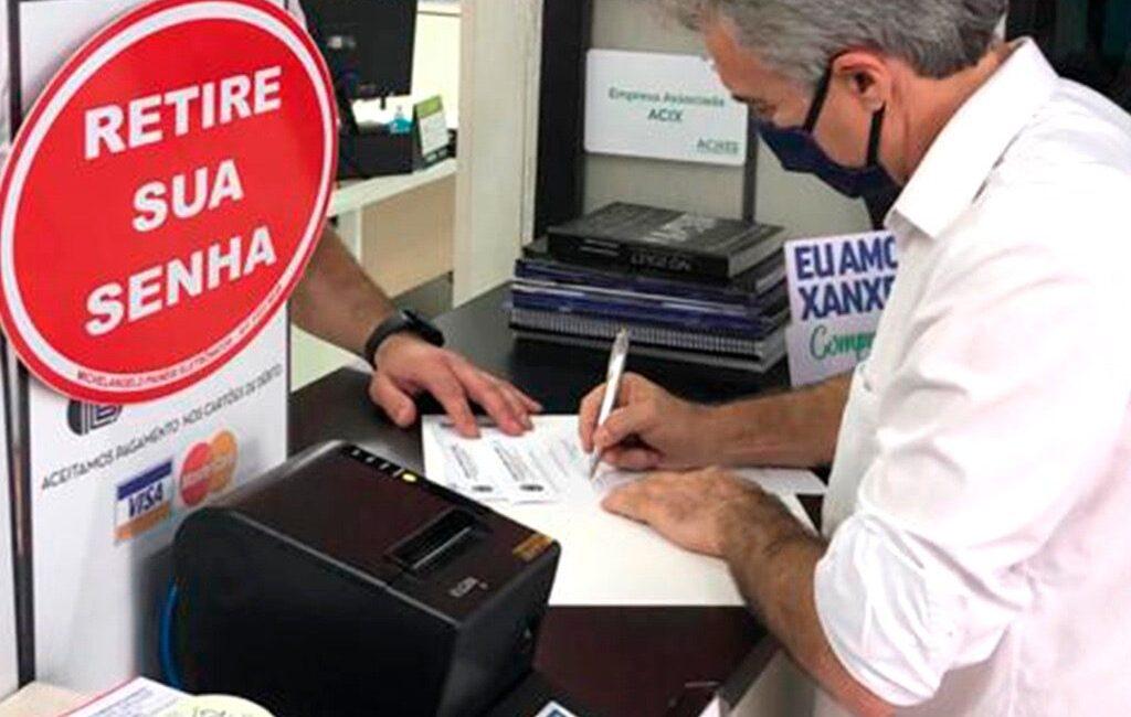 Candidato a prefeito de Xanxerê assina documento em que abre a mão de salário caso eleito