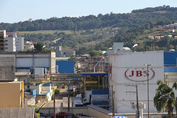Unidade da JBS de Seara oferece vagas