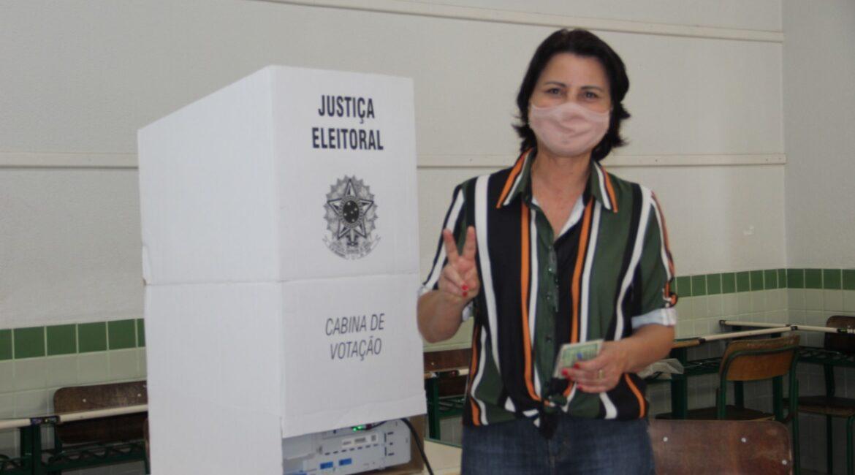 Pedetistas Laci Grigolo e Ademir Verza votaram neste domingo, 15