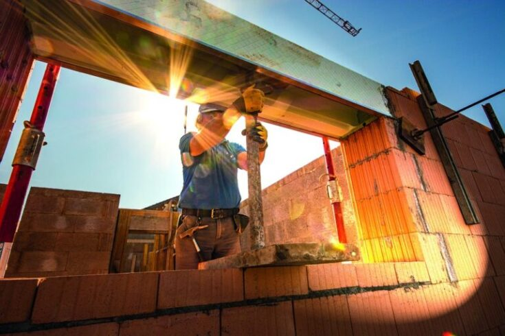 Redução da oferta de materiais por causa da pandemia aumenta custo da construção civil