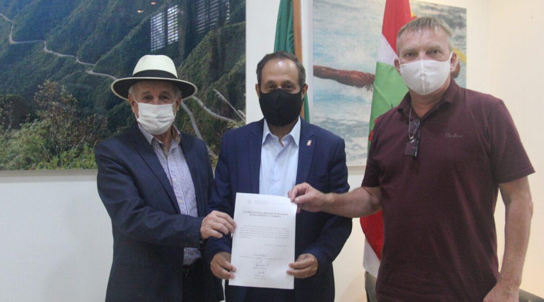 Santur anuncia investimento para novo complexo turístico em Itá
