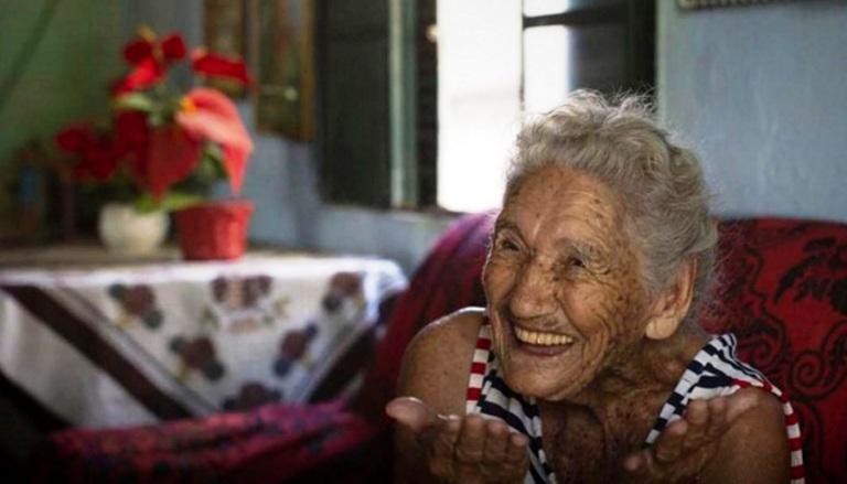 Covid-19: idosa abre mão de vacina por generosidade