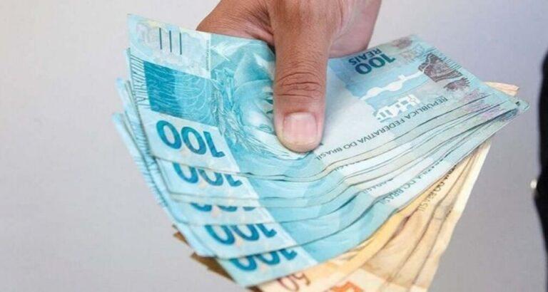 Semana terá pagamento de metade do 13° salário dos servidores estaduais