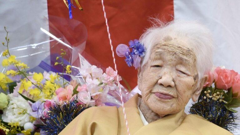 Após dois cânceres, duas pandemias e duas guerras mundiais, mulher mais velha do mundo vai carregar a tocha olímpica