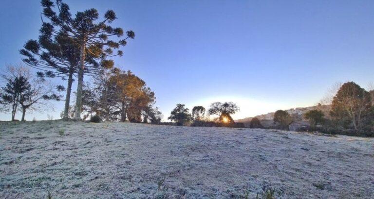 SC amanhece com temperaturas abaixo de -4°C e geada