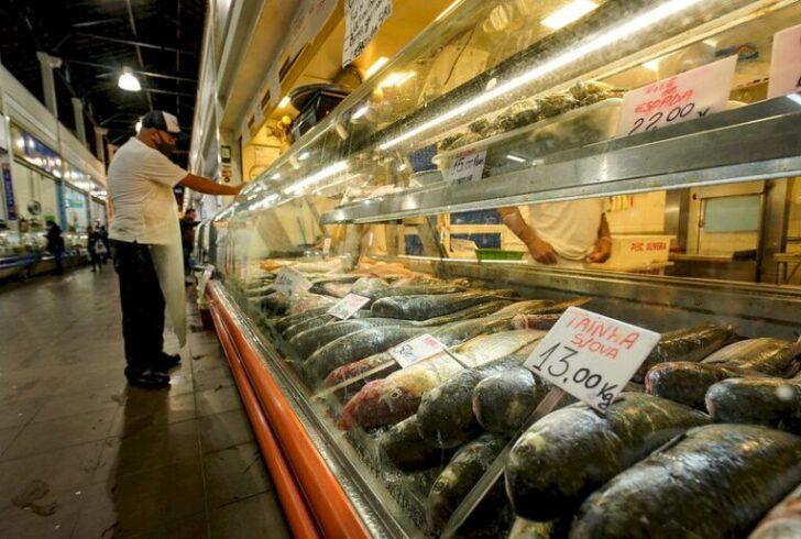 Com alta da carne bovina, cresce o consumo de outras carnes em SC