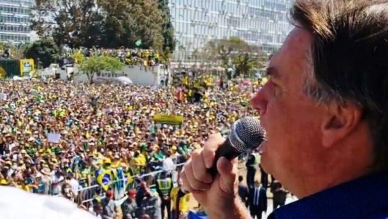 (VÍDEO) Presidente Jair Bolsonaro faz pronunciamento em Brasília