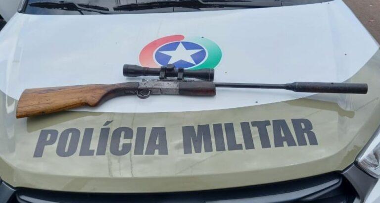 Em Seara, homens são encaminhados à delegacia por porte ilegal de arma de fogo